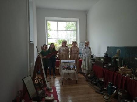 Pałac w Okalewie odzyskuje blask – Regionalna Izba Historyczna już działa