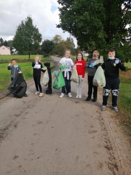 """""""Sprzątanie świata"""" w naszej szkole!"""